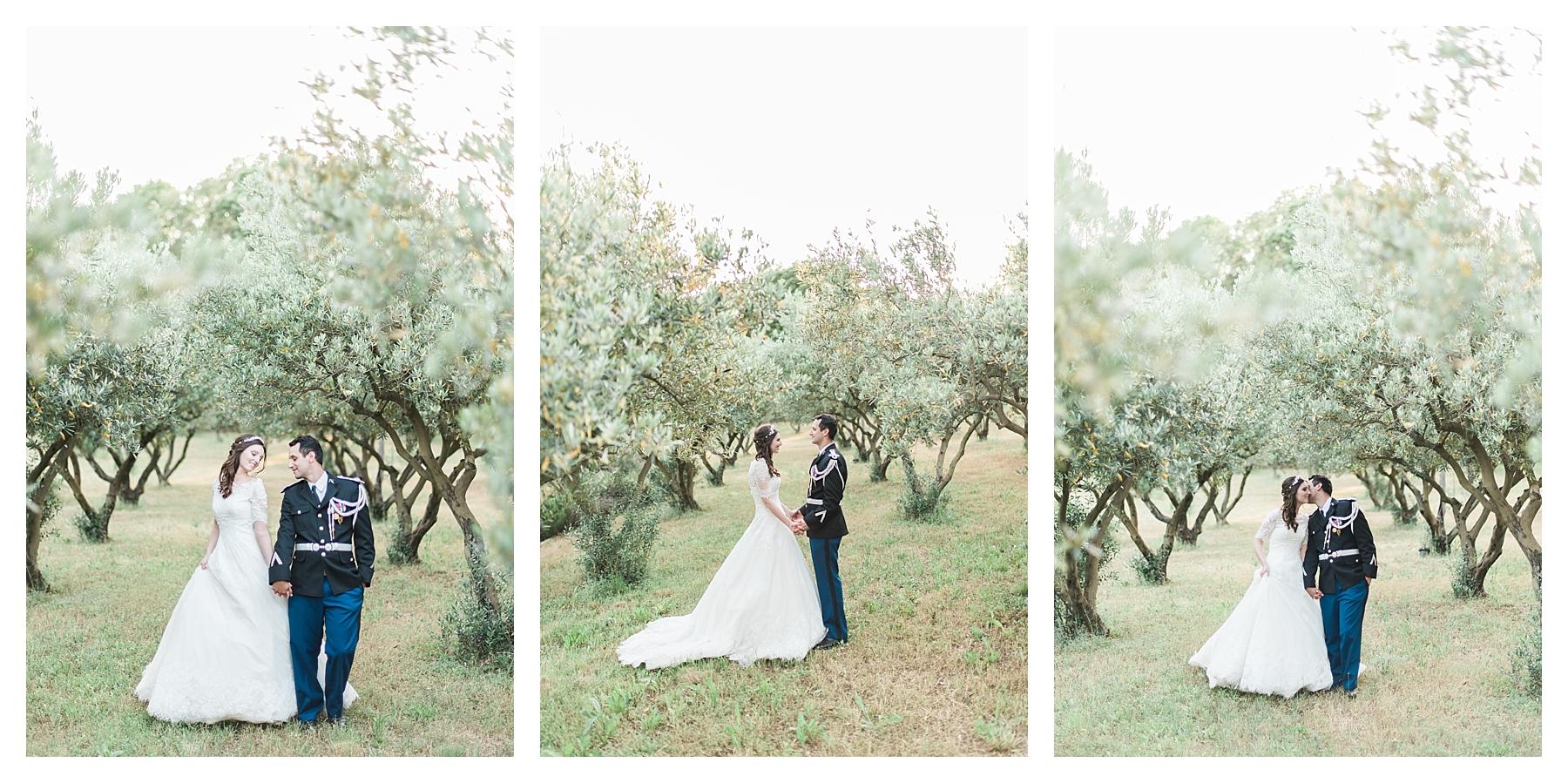 photo couple dans les oliviers mariage chateau les crostes